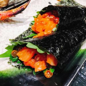 鮭といくらの親子手巻き寿司